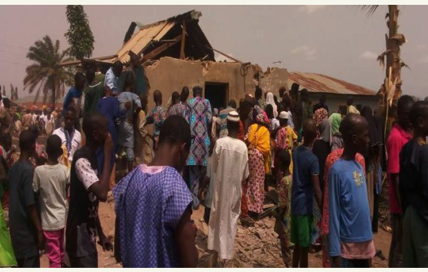 Man caught with human parts in Ilorin, residents demolish his house