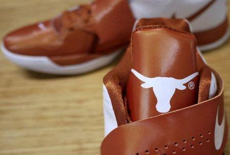 "8cbba5038f75 THE SNEAKER ADDICT  Nike Zoom KD IV ""Texas Longhorns"" Sneaker"