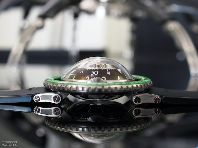 MB&F Horological Machine No.7 Aquapod Green