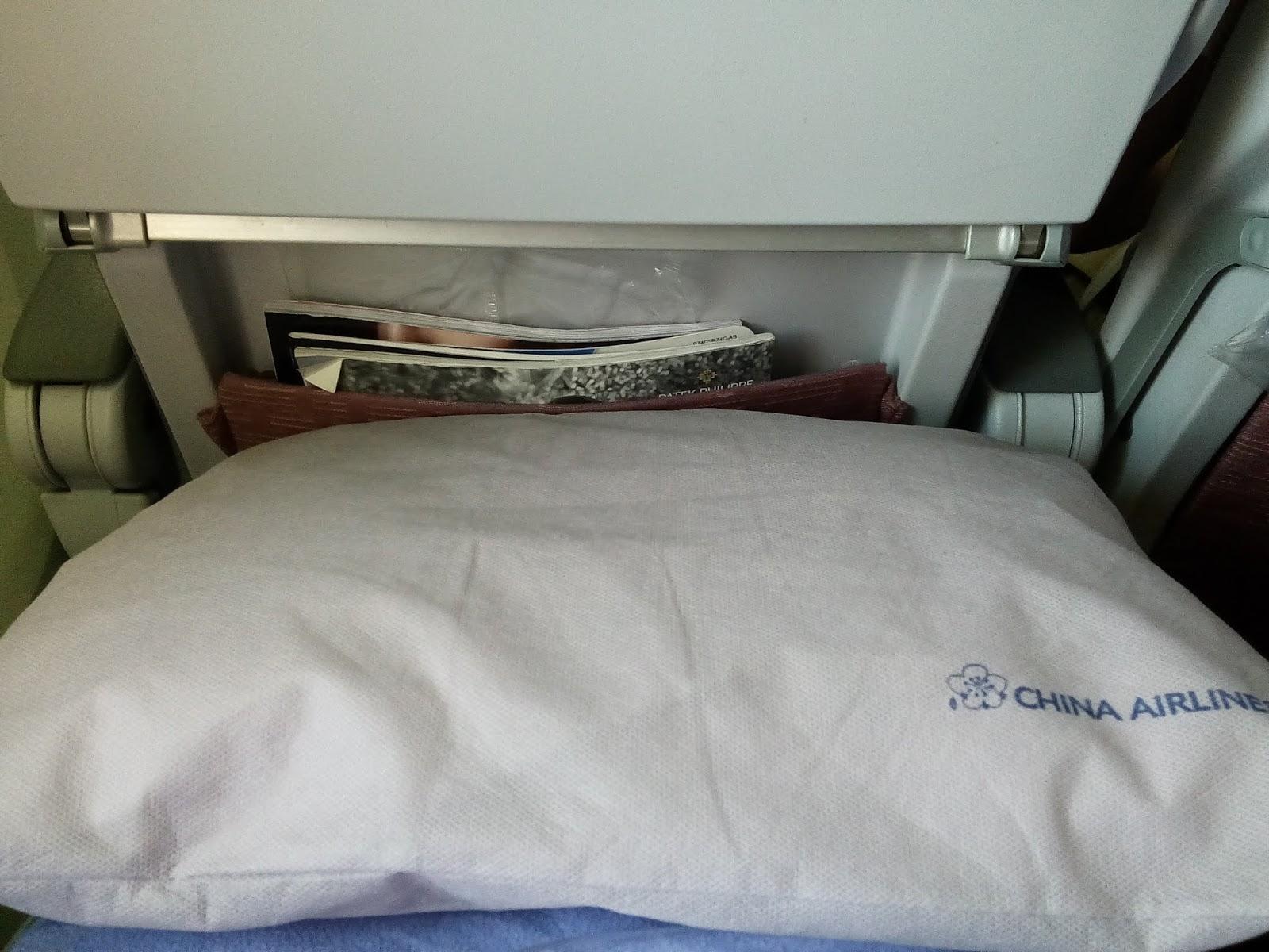華航B747-400-頭枕