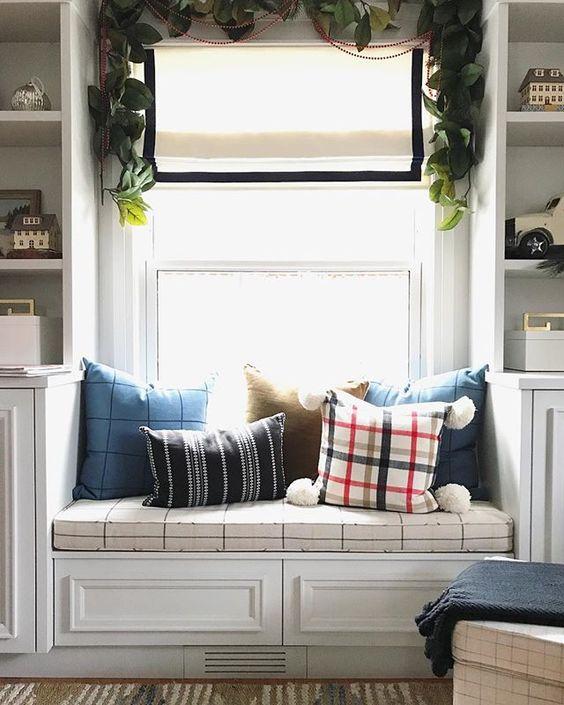 plaid pillows, plaid christmas pillows, etsy plaid pillows, tartan christmas pillows, colors for Christmas 2019