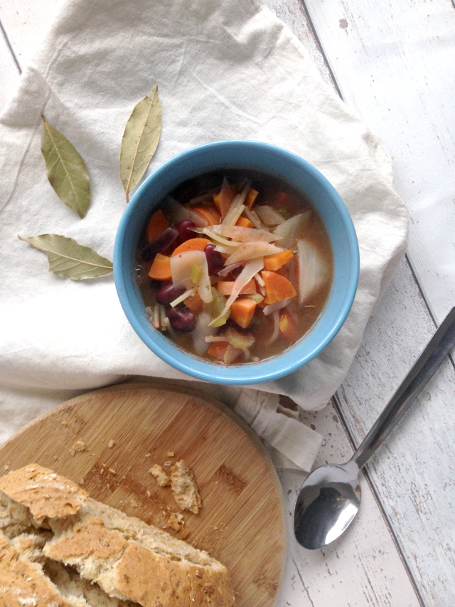 Chunky Bean Minestrone Soup -A warming, filling dish that creates perfect leftovers. Served with a crusty bit of bread, this homemade vegan soup will be a favourite throughout winter.