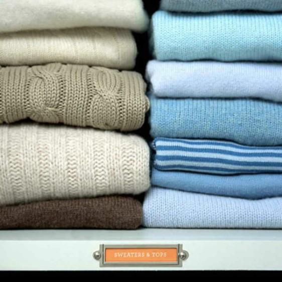 ff0d6c9d1f36 Ειδική βούρτσα Υπάρχουν ειδικές βούρτσες στο εμπόριο που είναι κατάλληλες  για μάλλινα ρούχα. Χρησιμοποιήστε τις τακτικά για να απομακρύνετε από τα  ρούχα και ...