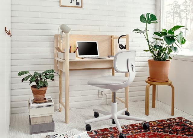 Fem-työpöytä sopii sekä istuen että seisten työskentelyyn