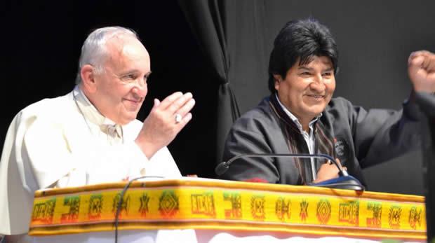 Evo saluda al Papa Francisco al cumplir cuatro años de pontificado