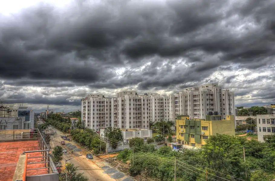 यूपी में गजब हैं मौसम का मिजाज, जानिए आज बारिश होंगीं या नहीं