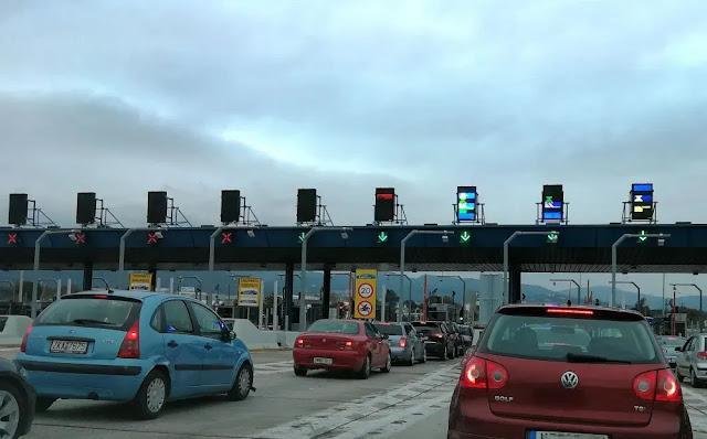 Σχεδόν 20.000 αυτοκίνητα εγκατέλειψαν χθες την Αθήνα με κατεύθυνση την Πελοπόννησο