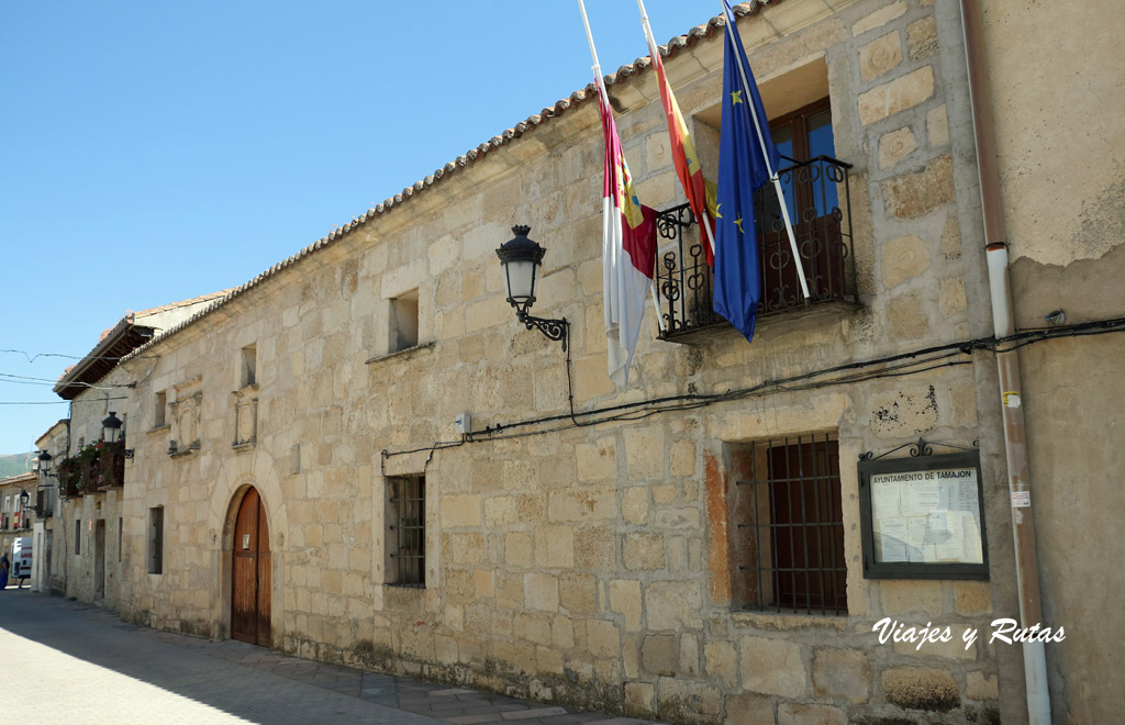 Ayuntamiento de Tamajón. Pueblos negros de Guadalajara