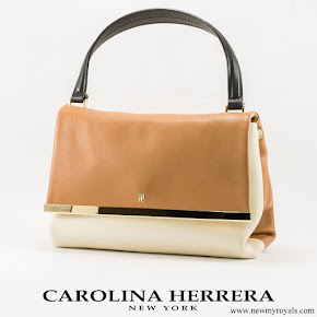 Queen Letizia carried Carolina Herrera Authenticity Card Camelot Collection Handbag