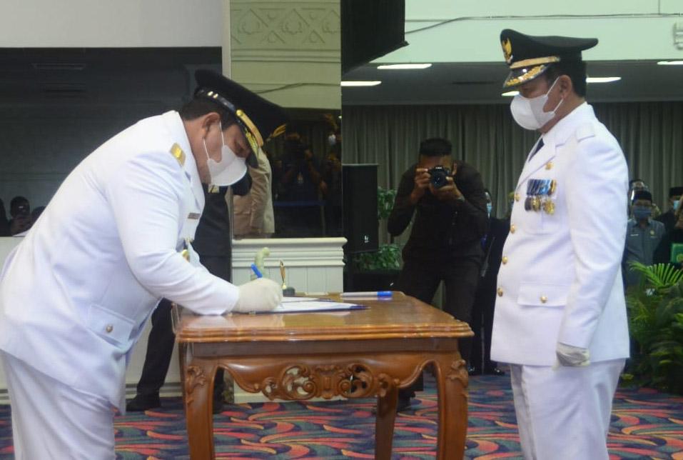 Budi Utomo Resmi Dilantik Gubernur Jabat Bupati Definitv Lampura