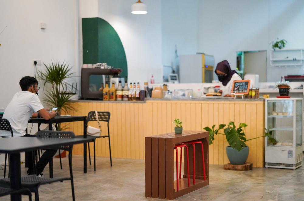 flowerhub cafe, desa pandan