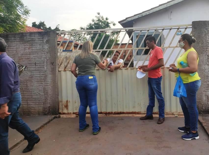 Alex percorreu o bairro Santa Izabel e fez corpo a corpo com os eleitores