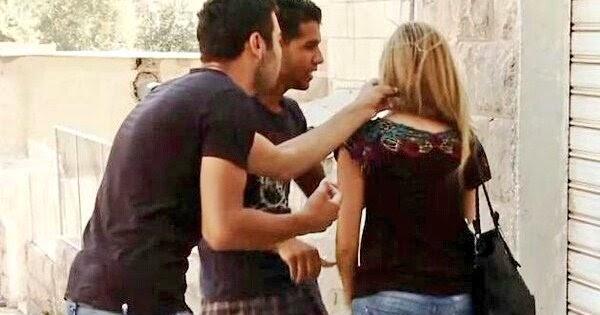 Αποτέλεσμα εικόνας για συριοι προσφυγες γελανε