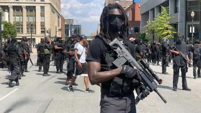 Milisi hitam asal AS