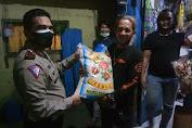 Satlantas Restro Jakbar Bagikan Bansos untuk Komunitas Ojol TAMBER