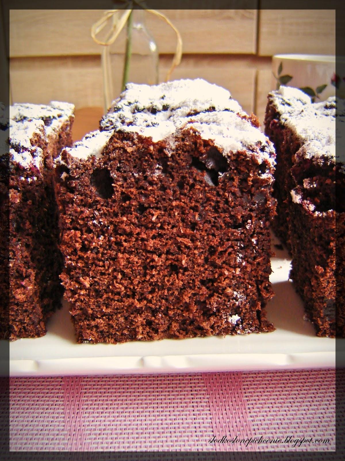 Ciasto kakaowe z malinami i kokosem