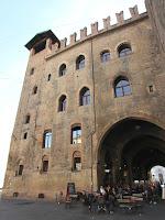Palazzo Re Enzo; Palacio; Palace; Palais; Palazzo; Bolonia; Bologna; Bologne; Emilia-Romagna; Emilia-Romaña; Émilie-Romagne; Italia; Italy; Italie
