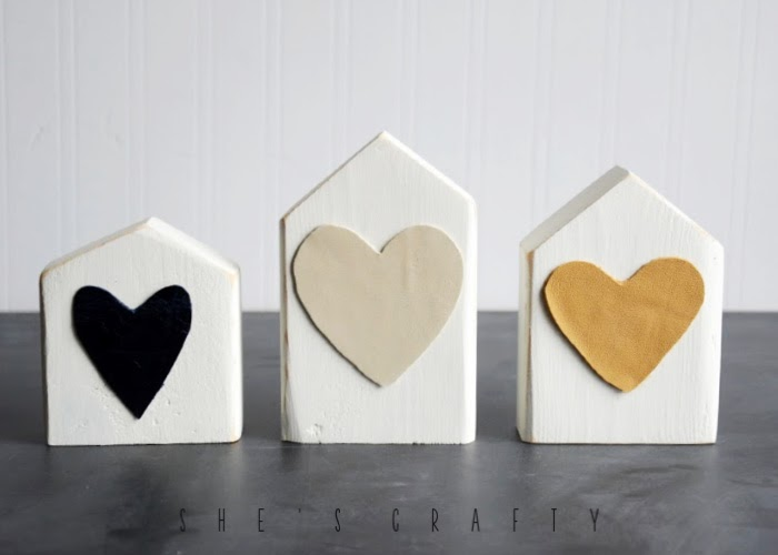 How to make wooden houses from reclaimed wood  |  Cute houses for Valentine's Day or to decorate a shelf any time