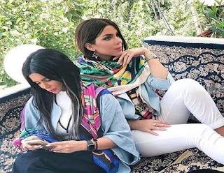 ◁ قصة من المدينة الجامعية بدمشق, ليال وسامية