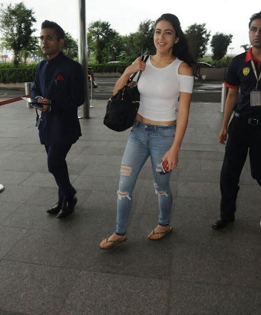 Bollywood Actress Sara Ali Khan Spotted At Airport Navel Queens