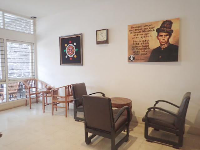coffee shop di jakarta timur