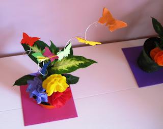 Decorazioni Battesimo Fai da Te: Centrotavola con Fiori e Farfalle di carta