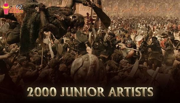 The number of artists 2000 that acted in the war sequences