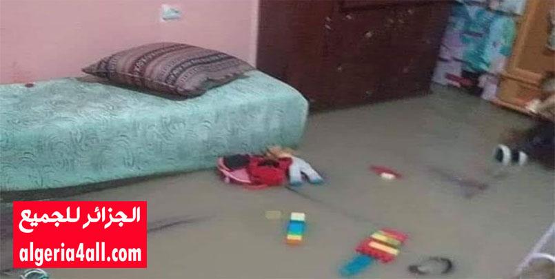 """تقلبات الطقس,تقلبات الطقس : الأمطار تتسبب في وفاة رضيعة وإصابة والدتها بوهران.السكان يحملون المسؤولية لـ""""بريكولاج"""" السلطات ,زياني ألاء"""