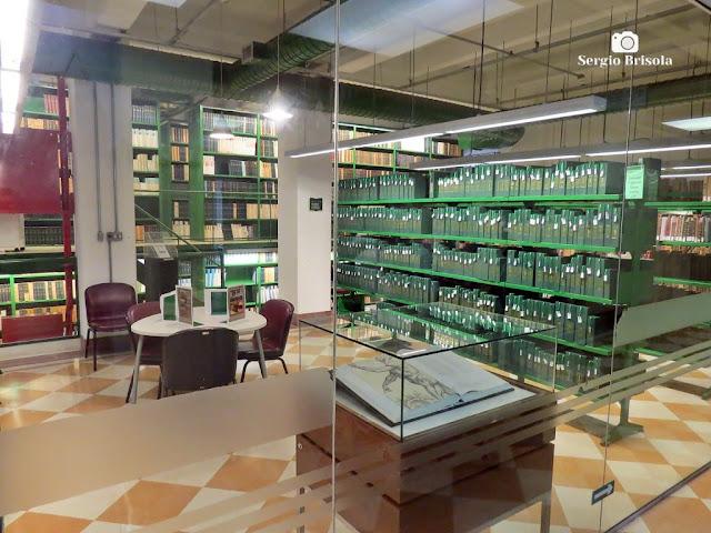 Vista de parte da Biblioteca da Faculdade de Medicina da USP - Cerqueira César - São Paulo