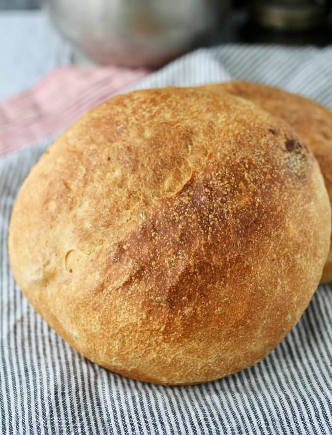 Mashed Potato Rosemary Bread with Roasted Garlic