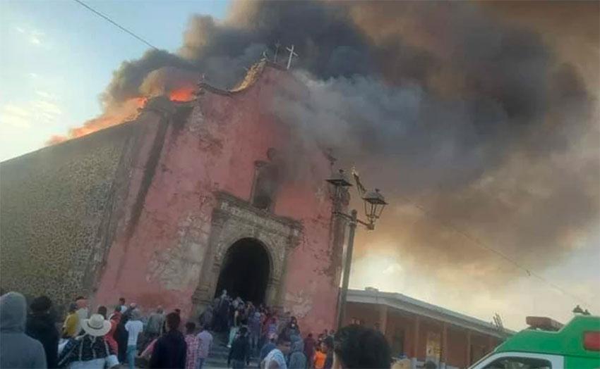Gereja Bersejarah yang Dibangun Tahun 1639 di Meksiko Terbakar