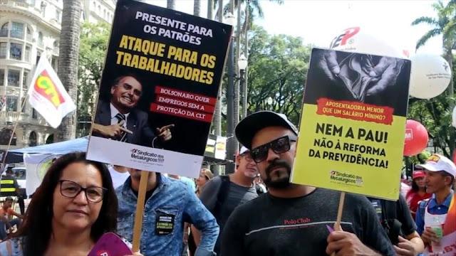 Brasileños protestan contra reforma de pensiones de Bolsonaro
