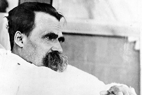 """""""Dysangelium"""" por Friedrich Nietzsche"""