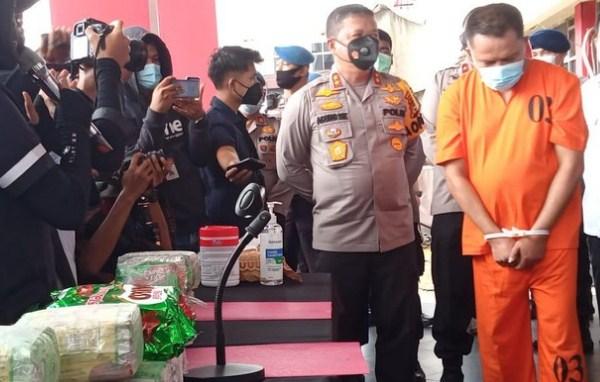 Polisi Tembak Mati 1 Orang Pengedar Narkoba di Riau, 20 Kg Sabu Disita