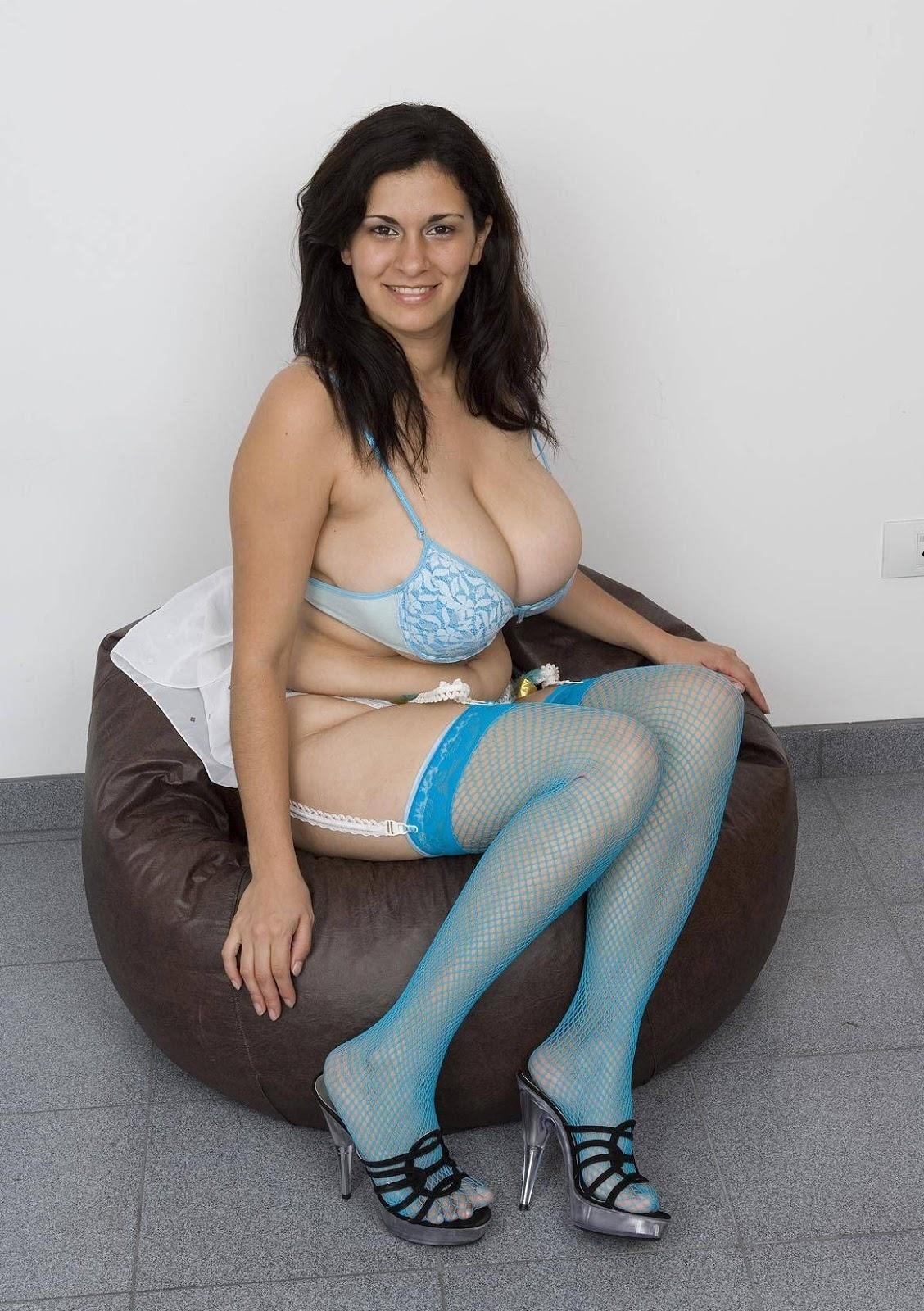 Romina Lopez Hairy Pussy 72