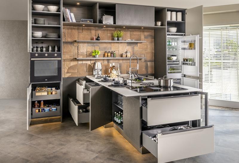 Dar alanda iç ferahlığı Bodrum mutfak mobilya'da