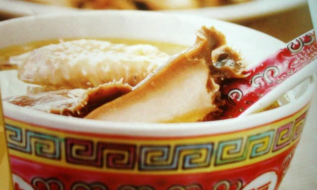 Sup Ayam dengan Gingseng Amerika dan Abalone