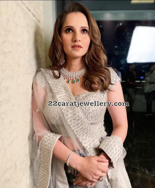 Celebrities in Hiya Jewellers
