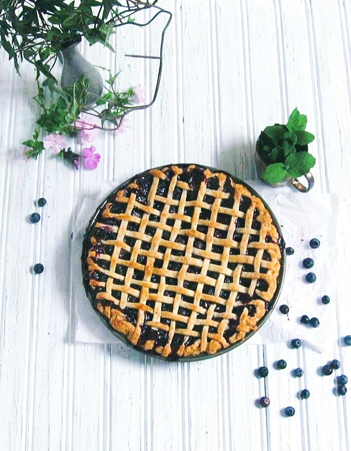 Midnight in Paris Blueberry + Mint Pie :: une gamine dans la cuisine