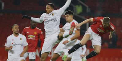 Manchester United qualify
