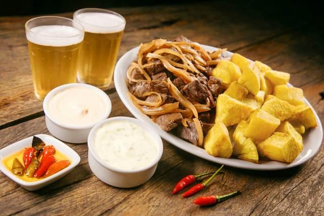Carne de Sol com Aipim - Culinária Central Caraíva
