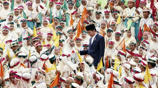 Alhamdulillah, Jokowi Siap Beri Beasiswa Santri Berprestasi