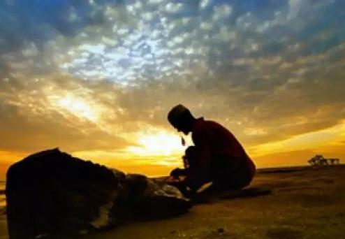 Cerita Islami: Pedagang Tampan yang Bertaqwa