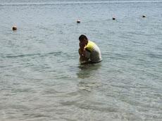 Trip ke Pulau Tiga : Iman 1st swimming experience