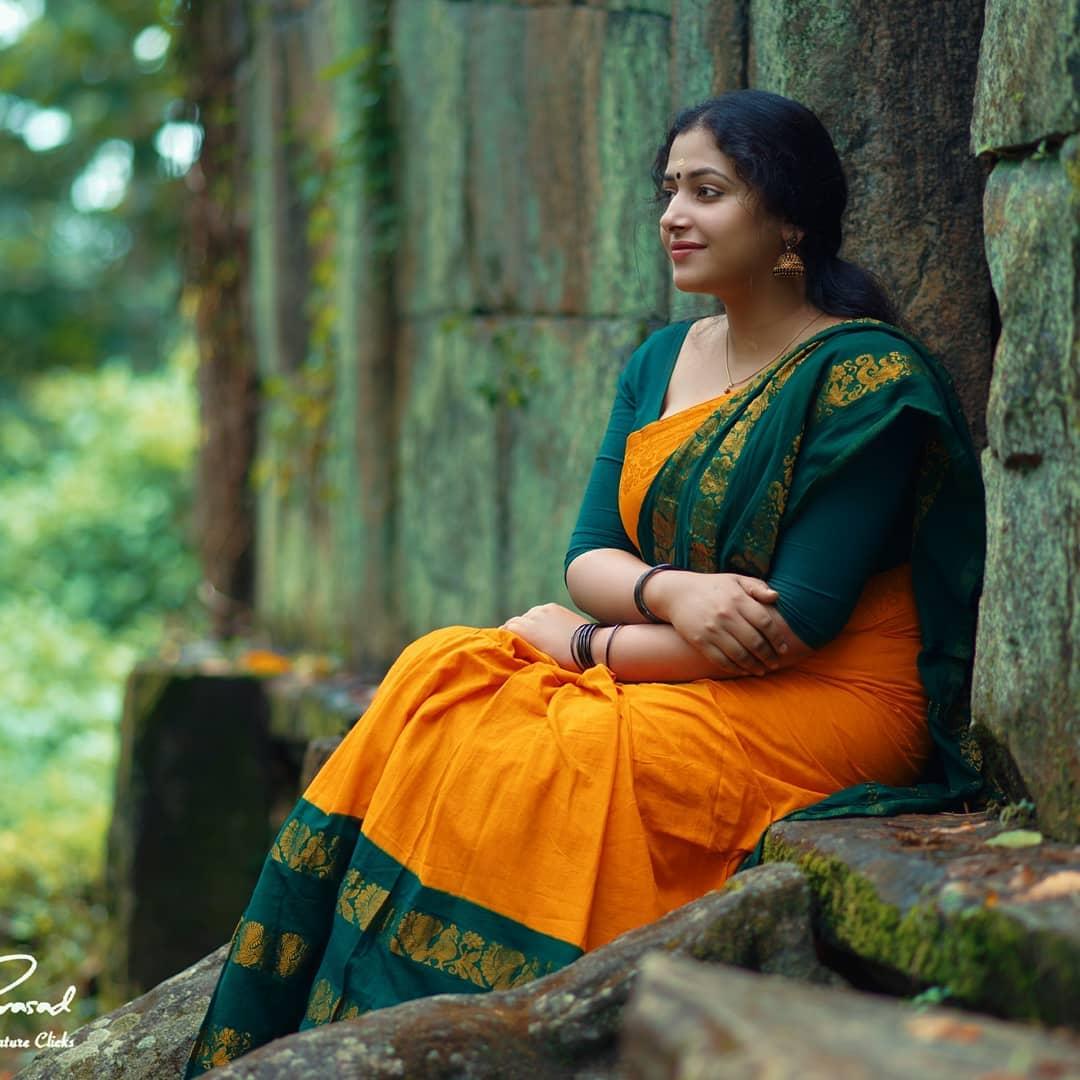 Anu sithara malayalam actress in orange saree Photos: HD Images, Pictures,  Stills, First Look Posters of Anu sithara malayalam actress in orange saree  Movie - Mallurepost.com