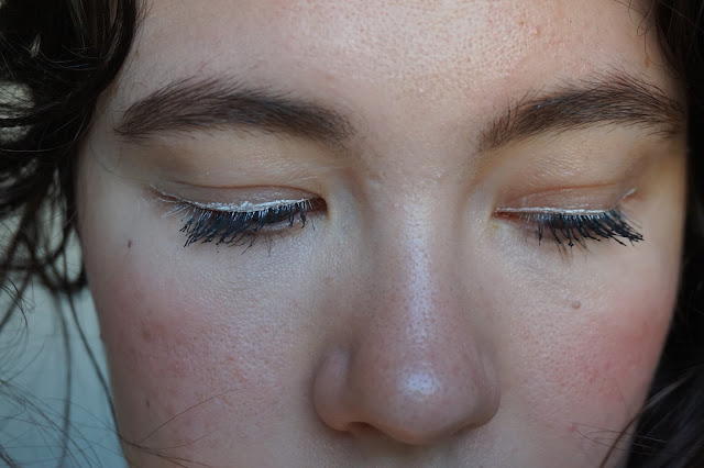 stretch_markers_too_faced_revue_avis_swatches_pure_white_deep_lilac_eye_liner