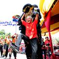 Meriahnya Perayaan Imlek di Sam Poo Kong, Ganjar Turut Memainkan Barongsai dan Minta Ampao Walikota