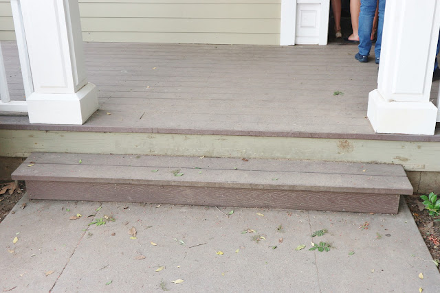 Pretty Little Liars Emily's House Front Steps