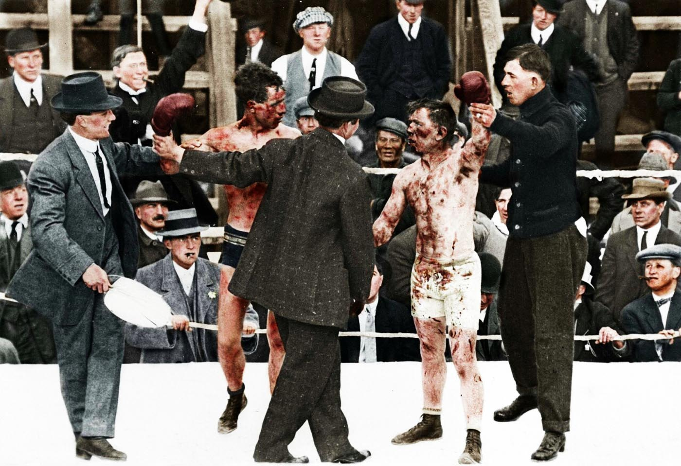 Ray Campbell vs Dick Hyland (1913). Ray Campbell is listed as the official winner of this fight. It appears that Campbell is the fighter on the left and Hyland is on the right.