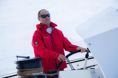 Francis Joyon et Idec Sport partent pour la Mediterranée.